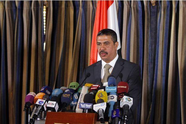 Le nouveau Premier ministre, Khaled Bahah, lors d'une conférence de presse ce dimanche.