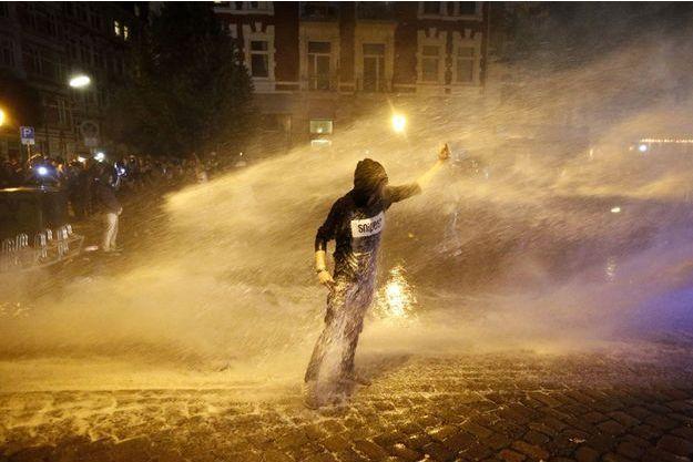 Un émeutier en marge du G20 à Hambourg, le 6 juillet dernier.