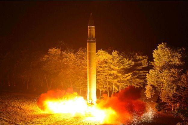 Rex Tillerson a demandé à la Corée du Nord de suspendre son programme balistique.