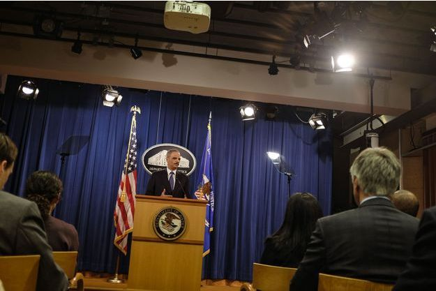 Le ministre de la Justice Eric Holder avait appelé les autorités de Ferguson à prendre des mesures fermes.