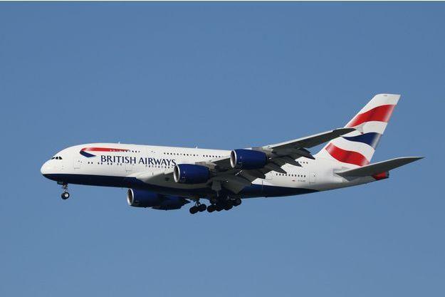 Un avion de la compagnie British Airways aurait heurté un drone.
