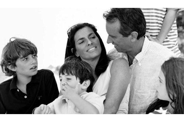 Derrière le sourire de Mary Kennedy, entourée de sa famille, se cachait une personnalité complexe voire torturée.