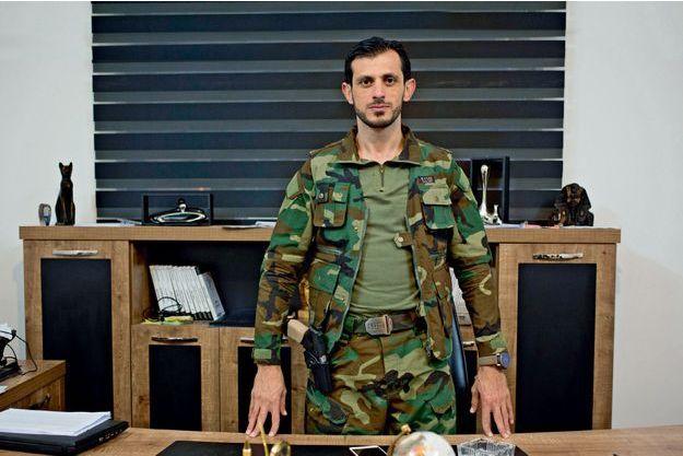 Le 31 octobre, dans son QG à Erbil. Omar Fadil Al-Alaf dirige le réseau de résistance Saraya Rimah qui opère au coeur de Mossoul.