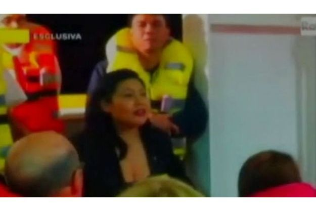 A bord du Costa Concordia, cette jeune femme donne une surprenante consigne aux passagers.