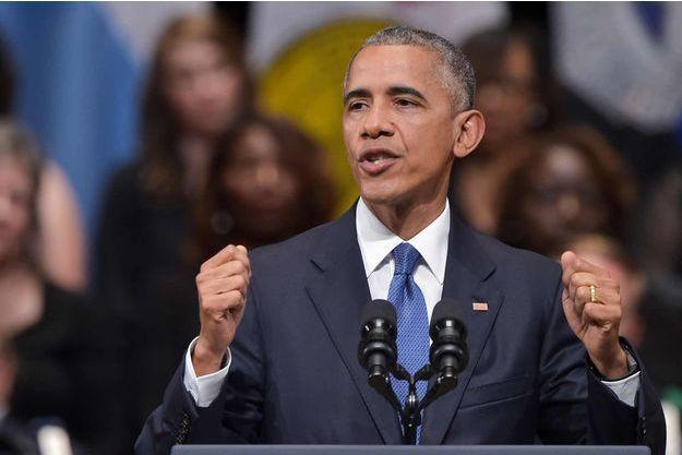 Barack Obama s'exprimant à l'occasion de la cérémonie œcuménique organisée mardi à Dallas en mémoire aux cinq policiers tués.