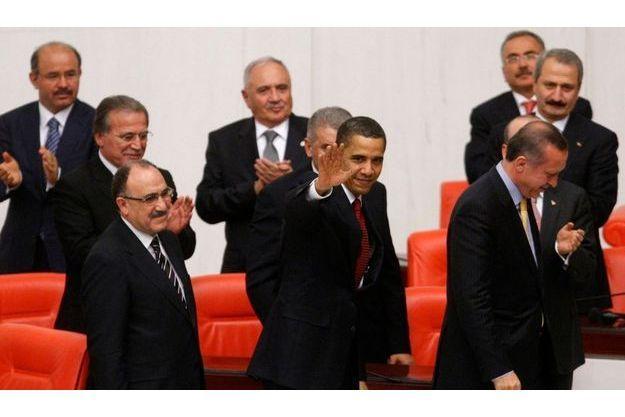 Le discours d'Obama a été applaudi par les parlementaires turcs.