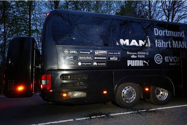 Le bus des joueurs de Dortmund pris pour cible mardi.