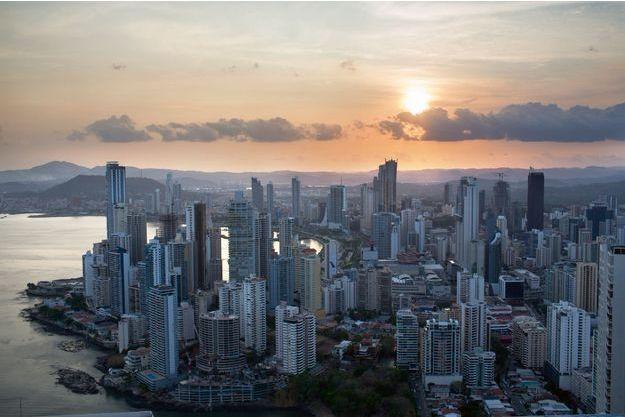 Les richesses du Panama (3,8millions d'habitants): le canal, la banane, les pavillons de complaisance, et l'évasion fiscale.