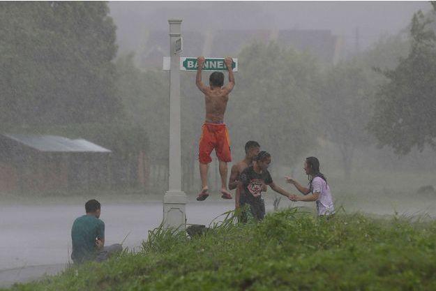 La tempête tropicale Kai-Tak a fait sévit sur l'île de Biliran, aux Philippines.