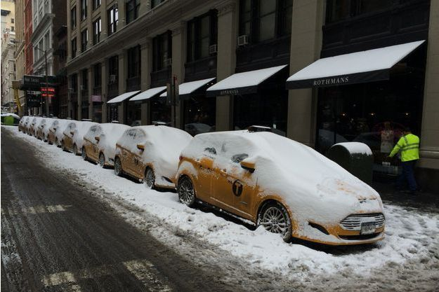 La file des taxis, à New York