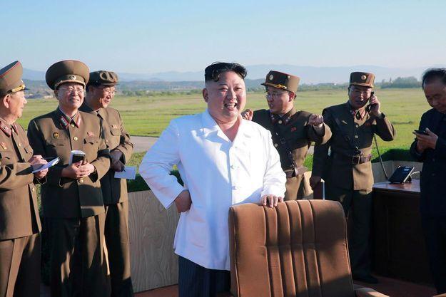 Le dictateur nord-coréen Kim Jong-un le 28 mai 2017, sur une photo publiée par l'agence de presse KCNA.