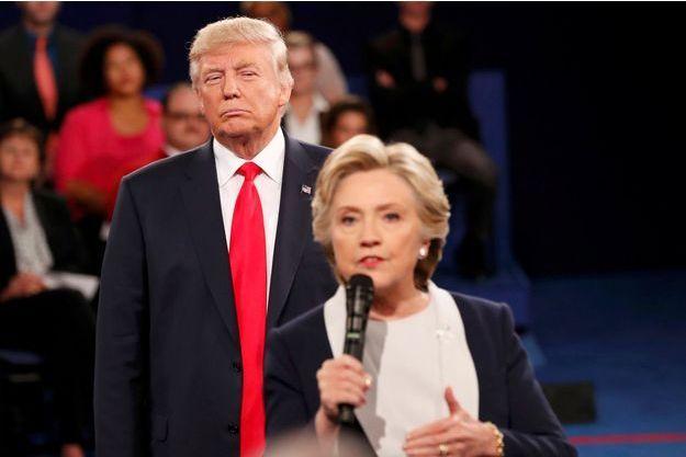 Donald Trump et Hillary Clinton durant le deuxième débat présidentiel, le 9 octobre 2016.