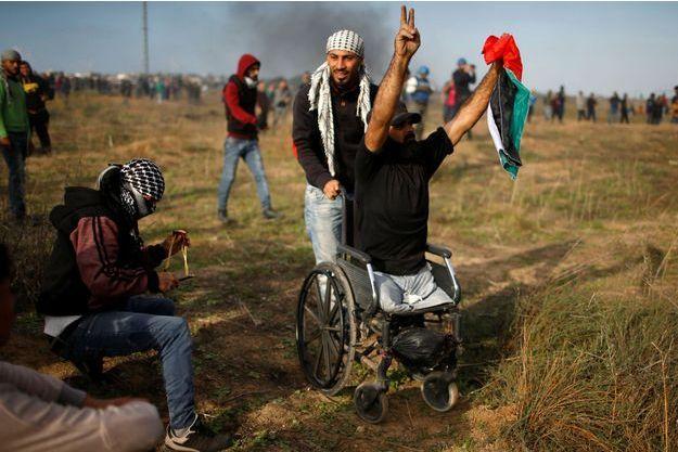 Ibrahim Abou Thouraya en train de manifester, quelques heures avant sa mort.