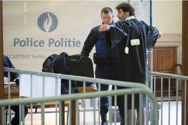 Le procès se déroule devant la cour d'appel de Bruxelles.