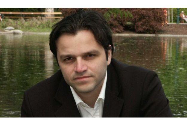 Rodolfo Cazares.