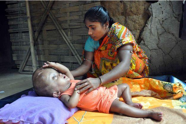 Roona est rentrée chez elle, dans le village de Jirania.