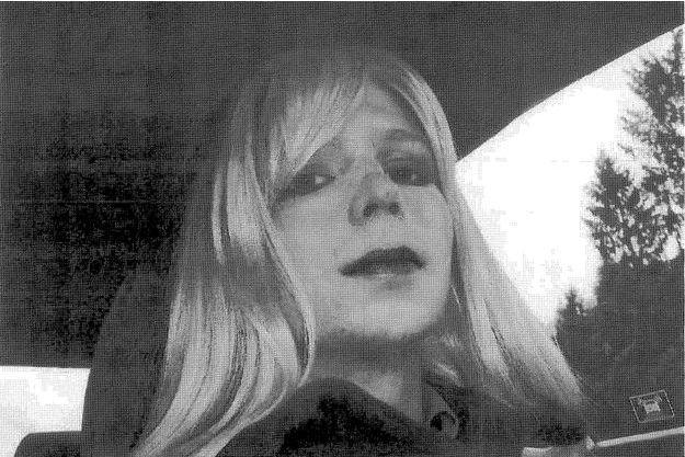 Chelsea Manning sur la première photo la montrant en femme.