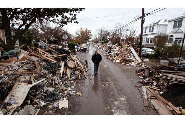 Une rue dévastée du Queens le 8 novembre