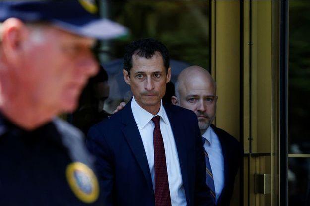 Anthony Weiner à la sortie du tribunal de Manhattan, le 19 mai 2017.