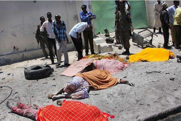 Le 5 avril, des civils ont été tué dans une attaque à la bombe à Mogadishu.