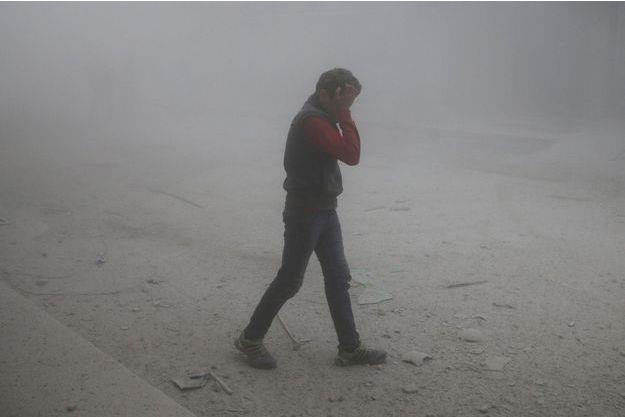 Un petit garçon près de Damas début décembre. Image d'illustration.