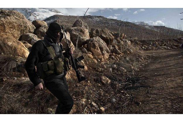 Insurgé dans la montagne syrienne.