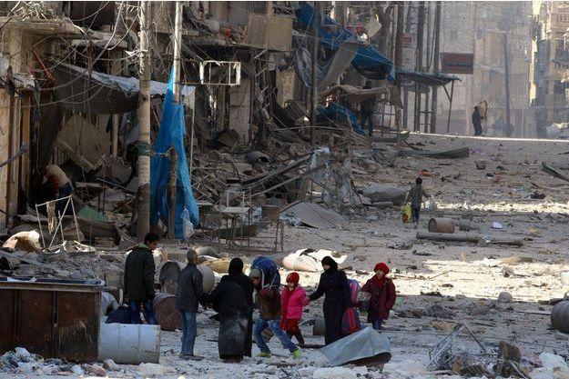 Des civil piégés à Alep.