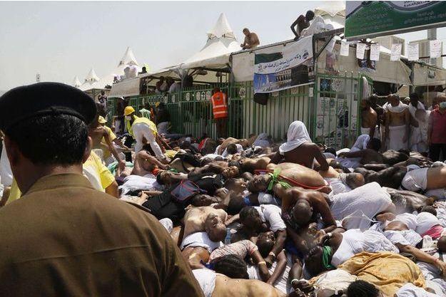 Le bilan provisoire fait état de 717 morts dont 90 Iraniens, et de 863 blessés.