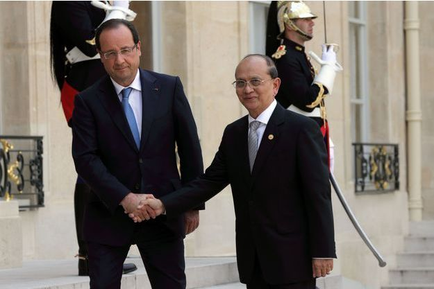 François Hollande et Thein Sein sur le perron de l'Elysée.