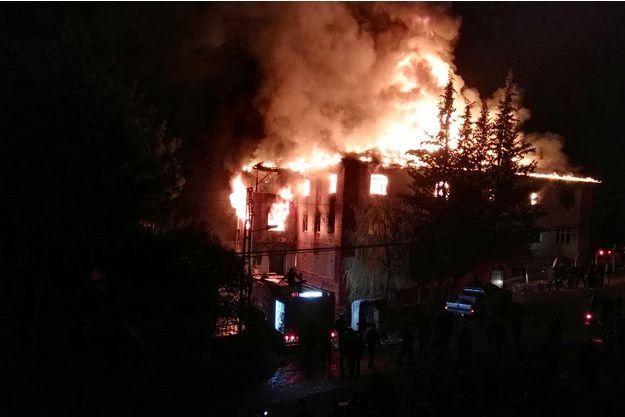 L'incendie s'est déclaré mardi et a fait 12 morts.