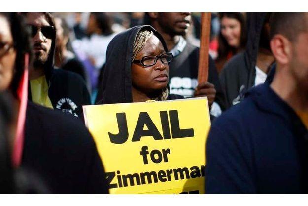 Accusé de toute part, George Zimmerman s'est réfugié quelque part d'où il semble organiser sa défense.