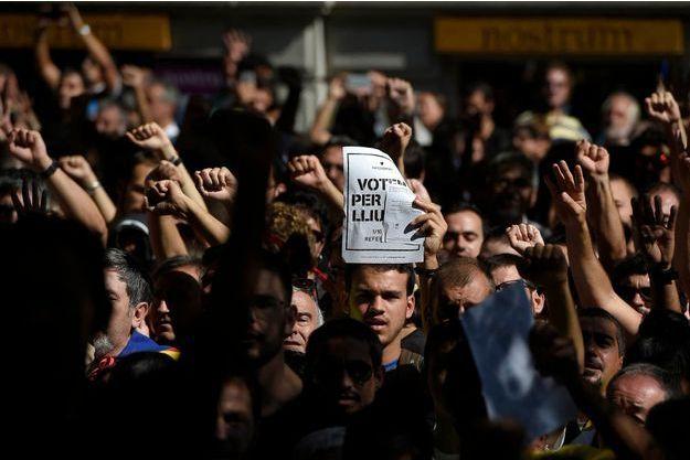 Une manifestation s'est tenue à Barcelone pour protester contre les arrestations.