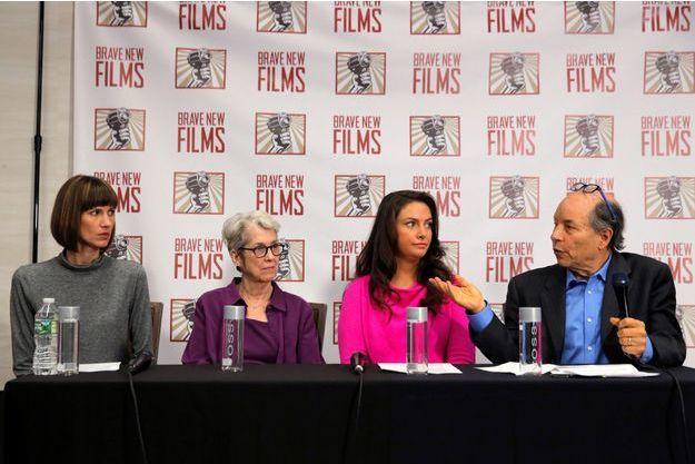 Rachel Crooks, Jessica Leeds et Samantha Holvey, les trois femmes qui accusent Donald Trump, à New York, le 11 décembre 2017.