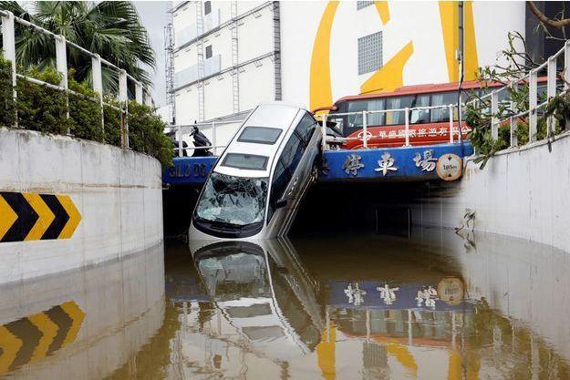 Le typhon a fait 16 morts.