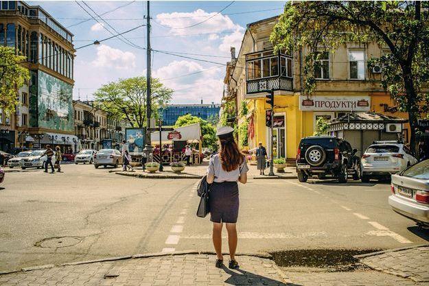 Des flonflons de l'Eurovision aux colombes d'Odessa, déambulation culturelle en Ukraine, un pays qui tente d'oublier sa guerre.