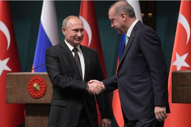 Vladimir Poutine et Recep Tayyip Erdogan à Ankara, le 11 décembre 2017.