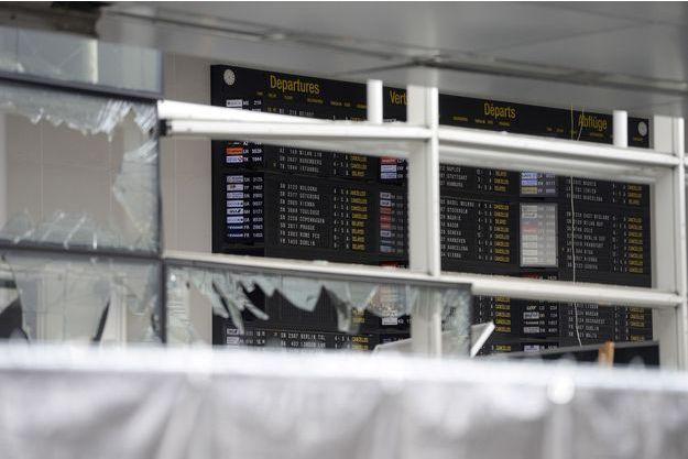 L'aéroport de Bruxelles après le terrible attentat qui a fait 35 morts le 23 mars 2016.
