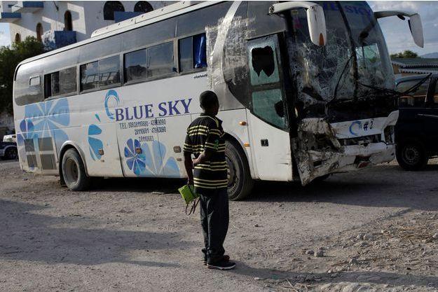 L'autobus qui a foncé dans un groupe de musiciens dimanche, tuant 38 personnes.