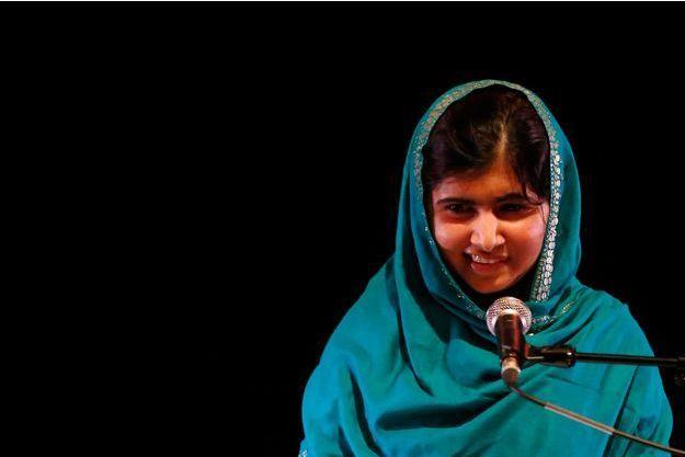 Malala à Londres le 4 octobre. Elle venait de recevoir le prix RAW in War.