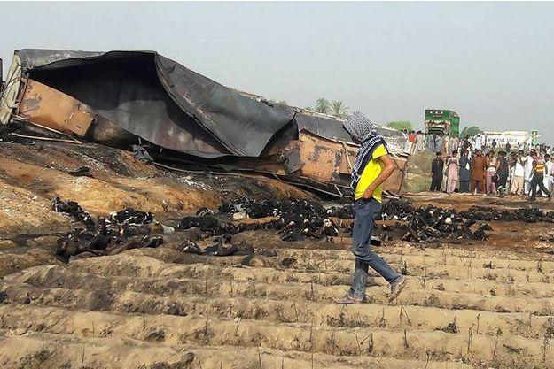 L'incendie a fait au moins 123 morts.