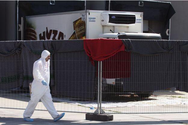 L'enquête se poursuit après la découverte de 71 corps dans un camion en Autriche.