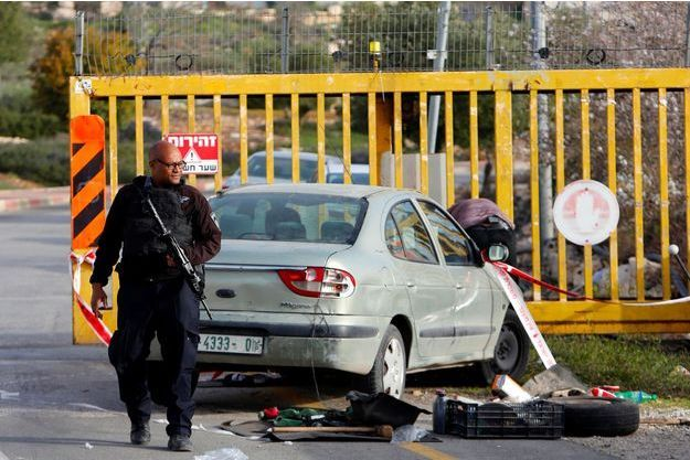 Sur les lieux de l'attaque, près d'Hébron, le 7 février 2018.