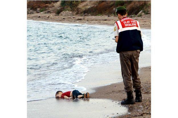 Le corps de ce petit Syrien de 5 ans s'est échoué sur une plage de Bodrum, en Turquie.