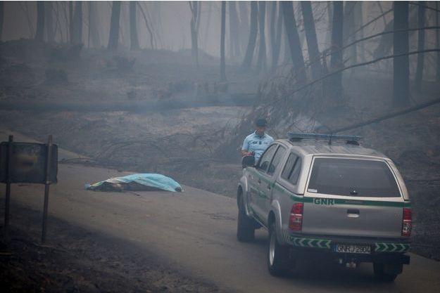 Le bilan du violent incendie de forêt au Portugal a grimpé à 57 morts
