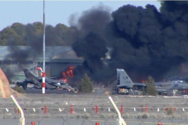 Le crash d'un F-16 a coûté la vie à neuf Français.
