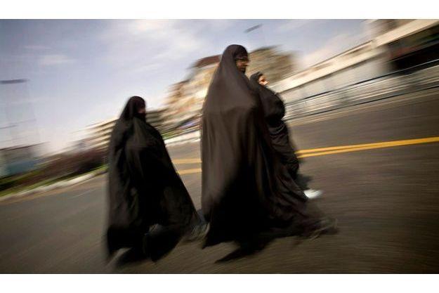 Des femmes en burqa au Moyen-Orient