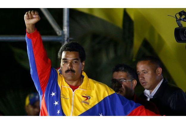 Nicolas Maduro a été élu avec moins de 51% des voix.