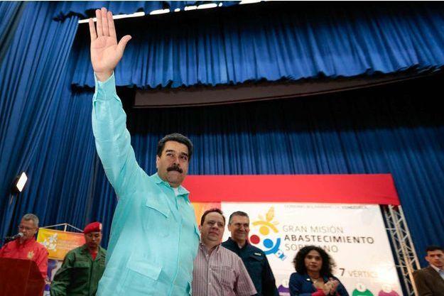 Nicolas Maduro à un meeting avec des représentants du secteur de l'alimentation à Caracas lundi 1er août 2016.