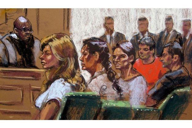 De gauche à droite: Anna Chapman, Vicky Pelaez, Richard Murphy, Cynthia Murphy et Juan Lazaro à leur audition.
