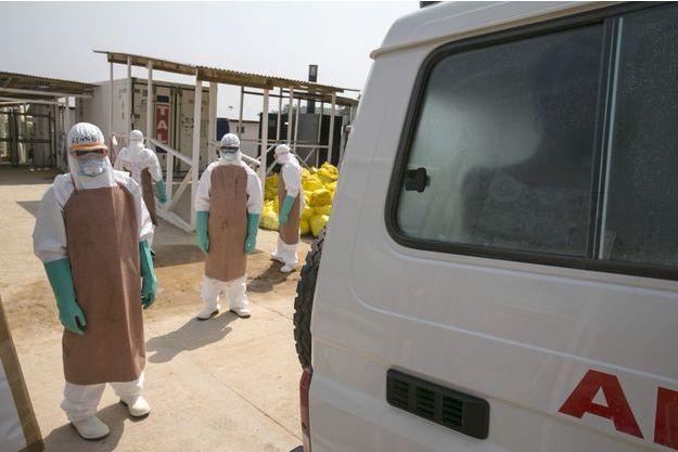Cinquante personnes ont été placées en quarantaine après la mort d'une femme, diagnostiquée positive au virus Ebola (image d'illustration).